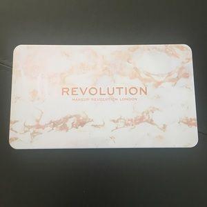 NWT Makeup Revolution Fall Eye Palette